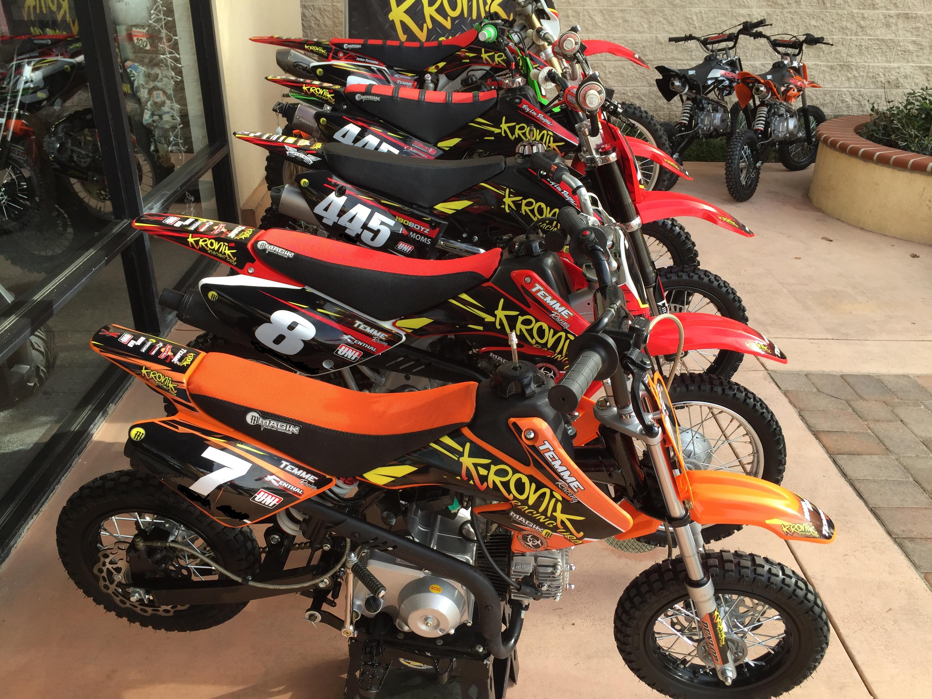Kronik Racing team series kit